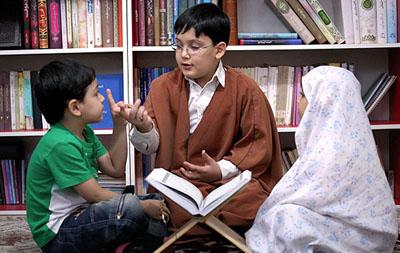 تربیت و فرهنگ ما باید بر مبنای قرآن کریم باشد/ آموزش قرآن یکی از حقوق فرزندان بر والدین است